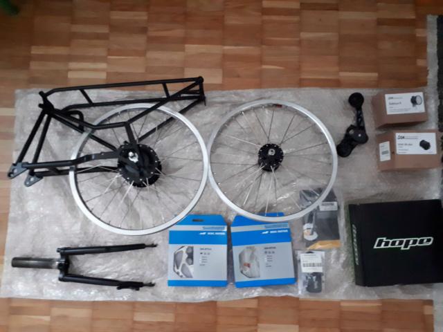 Brompton M6R noir de 2011, kits Alfine 11, dynamo, freins à disque Kinetics Kit110