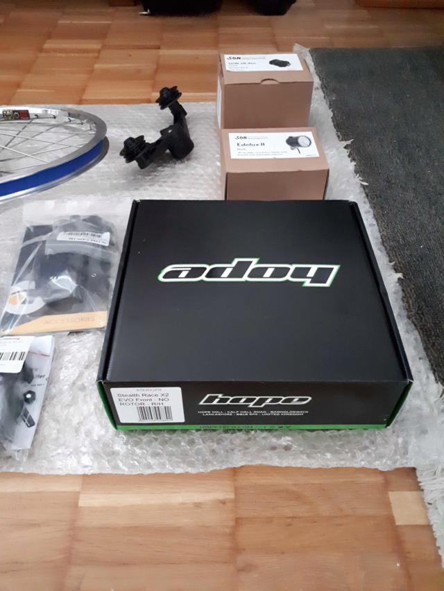 Brompton M6R noir de 2011, kits Alfine 11, dynamo, freins à disque Kinetics Kit210