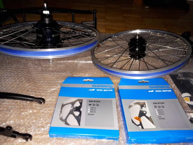 Brompton M6R noir de 2011, kits Alfine 11, dynamo, freins à disque Kinetics Kit310