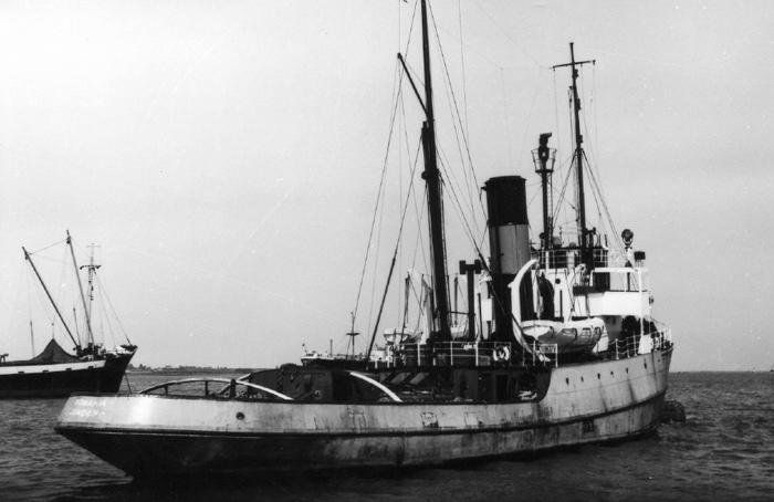 Remorqueur de haute mer S.T. Rumania (RC Deans Marine 1/96°) de Philippe R. DAVID Rumani11
