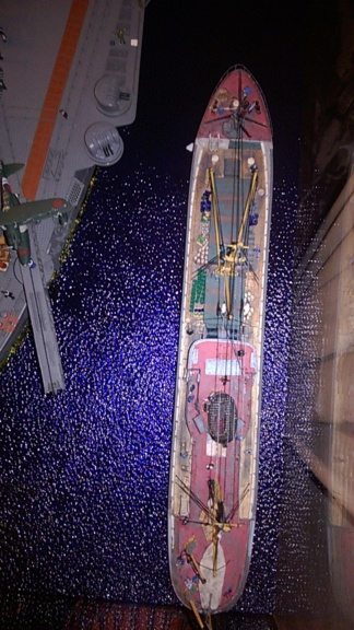 Yamato, un jour de janvier 1945 Modèle RC au 1/150 dans sa vitrine d'exposition - Page 2 Wp_20215