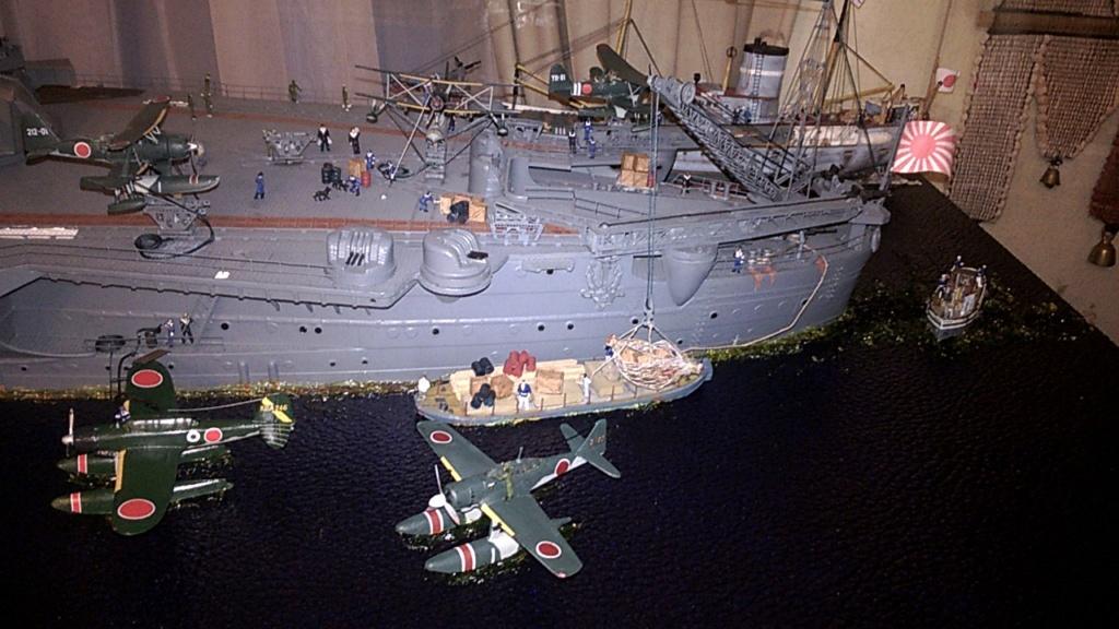 Yamato, un jour de janvier 1945 Modèle RC au 1/150 dans sa vitrine d'exposition - Page 2 Wp_20218