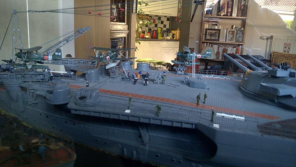 Yamato, un jour de janvier 1945 Modèle RC au 1/150 dans sa vitrine d'exposition - Page 3 Wp_20238
