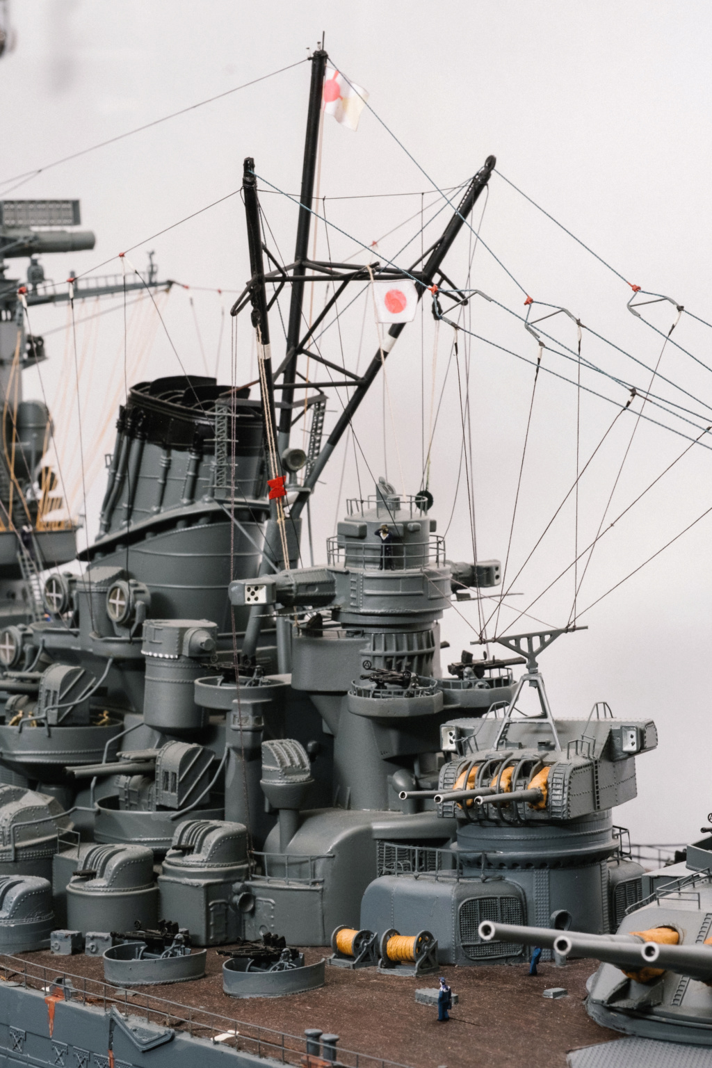 Yamato, un jour de janvier 1945 Modèle RC au 1/150 dans sa vitrine d'exposition - Page 2 Yamato14