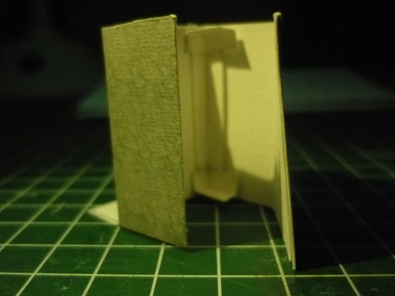 Quelques montages papier de batiments. - Page 2 P1080415