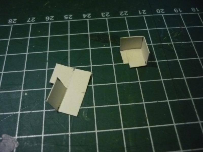 Batiments et autres structures imprimés en papier P1080416