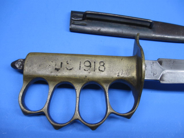 Trench kniff 1918, Selle military 18b10