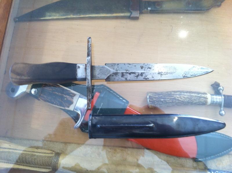 Interrogation sur couteau vengeur  V3210