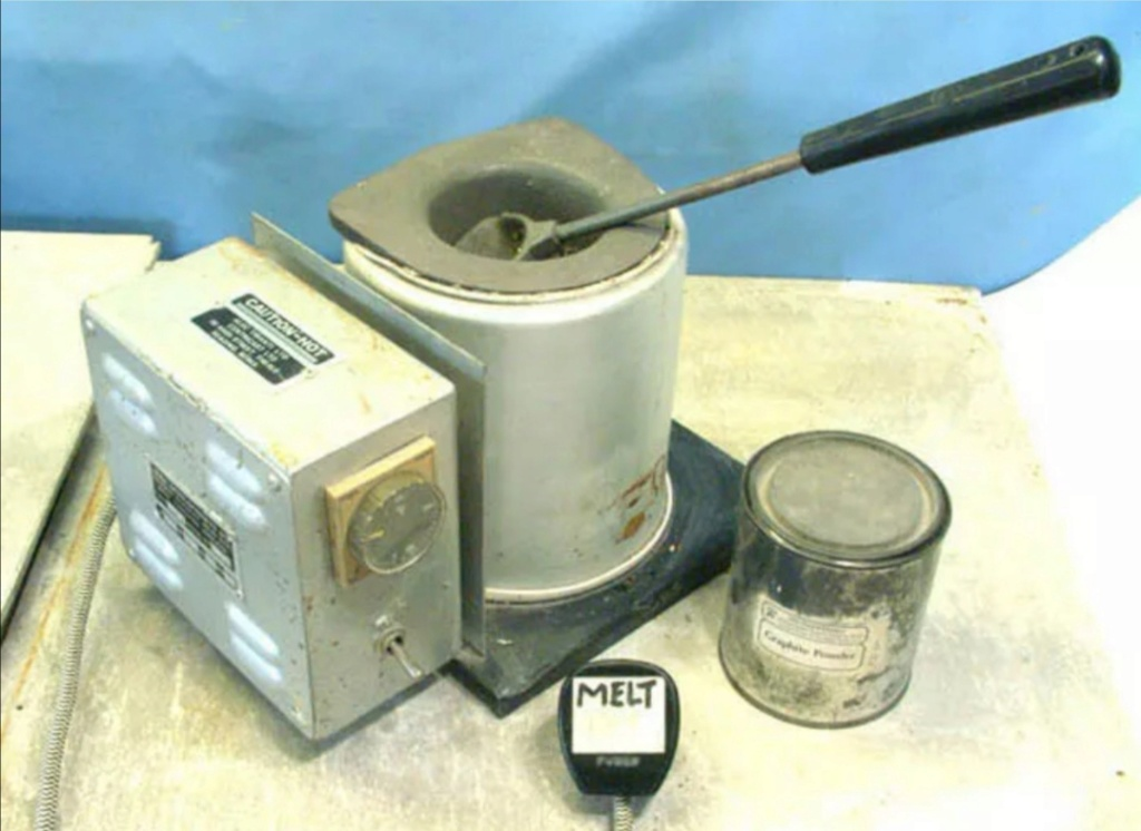 "C200 centricast machine,melting pot,7"" plate £825 Screen23"