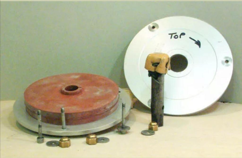 "C200 centricast machine,melting pot,7"" plate £825 Screen27"