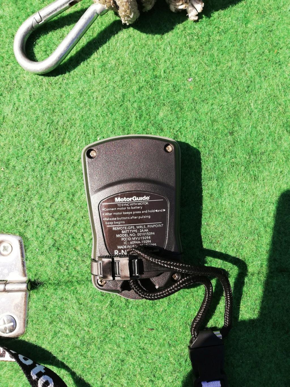 fixation télécommande motorguide cassée Img_2021