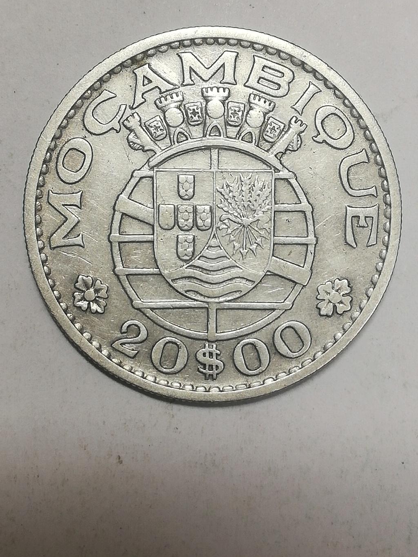 20 escudos de Mozambique . 1960 Img_2022