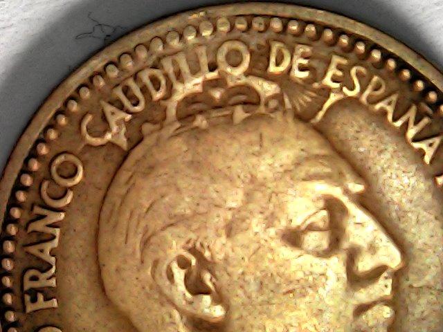 1 peseta de Franco con un repunte de traca. Franco coronado. Sat_oc11