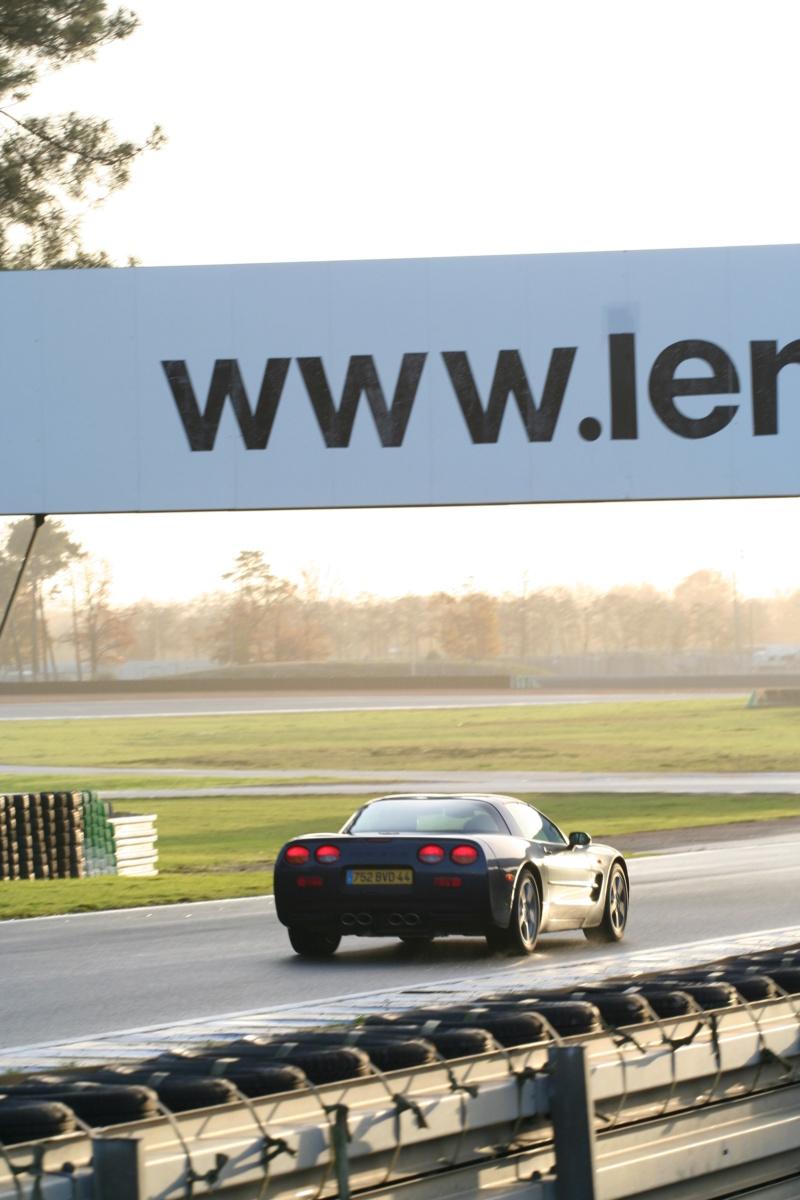 Présentation Corvette C5 année 2001 Teleth11