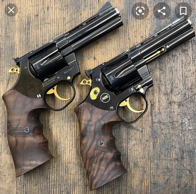 pistolet ou revolver spécifiquement gaucher? - Page 2 Lefty_10