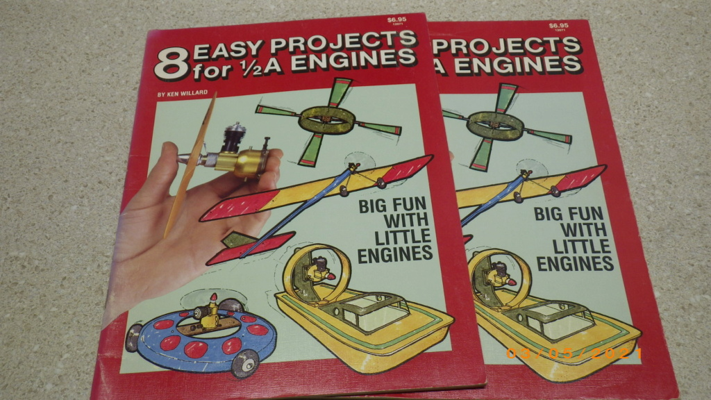 Vintage Book:  8 easy projects for 1/2A engines    Imgp3213
