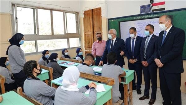 """رضا """"حجازي"""": التعليم الحضورى أهم وأكثر جذبًا للطلاب 41310"""