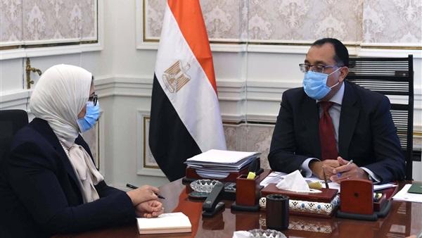 رئيس الوزراء يتابع إجراءات تطعيم العاملين فى القطاع التعليمى 84110