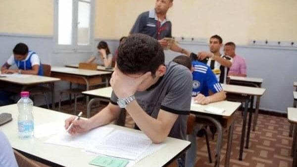 """""""التعليم"""" ترسل بلاغ للنيابة العامة ضد 25 طالب و ملاحظ  بالثانوية العامة 865_110"""