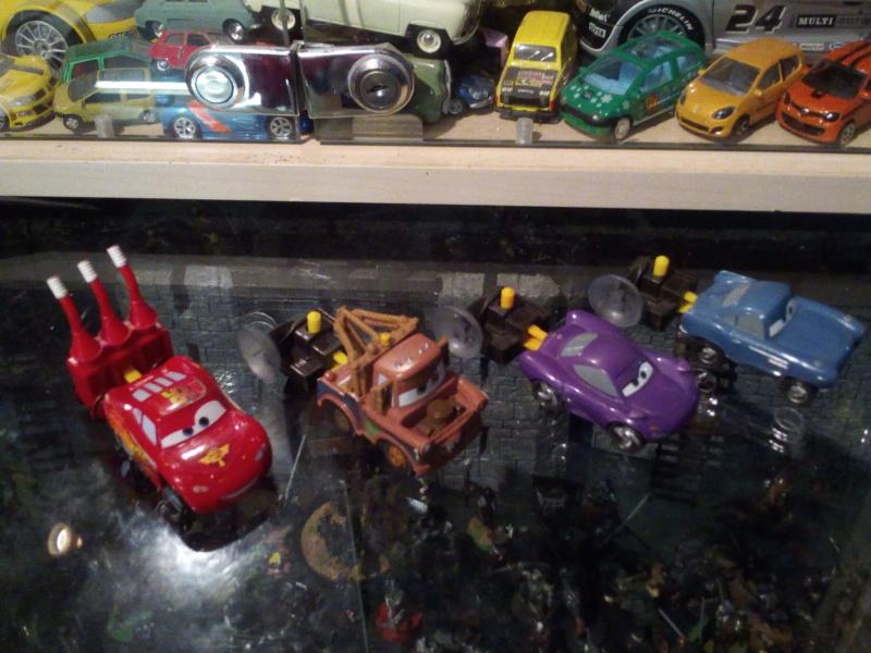 mes autres Cars 1 , 2 , 3 et Planes !!! toutes marques et matieres - Page 18 Img_2046