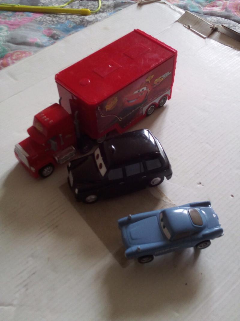 mes autres Cars 1 , 2 , 3 et Planes !!! toutes marques et matieres - Page 19 Img_2110