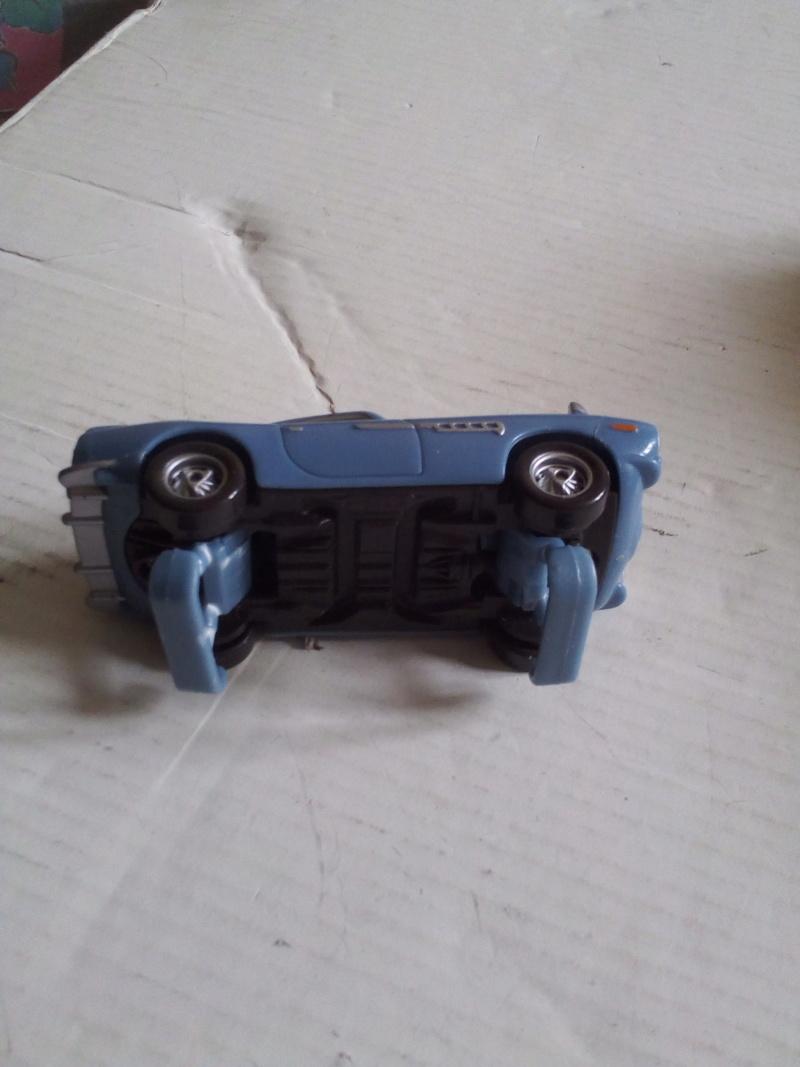 mes autres Cars 1 , 2 , 3 et Planes !!! toutes marques et matieres - Page 19 Img_2111