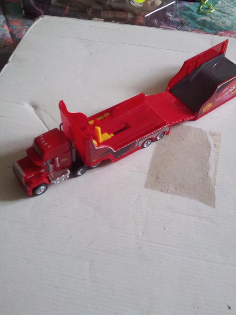 mes autres Cars 1 , 2 , 3 et Planes !!! toutes marques et matieres - Page 19 Img_2112