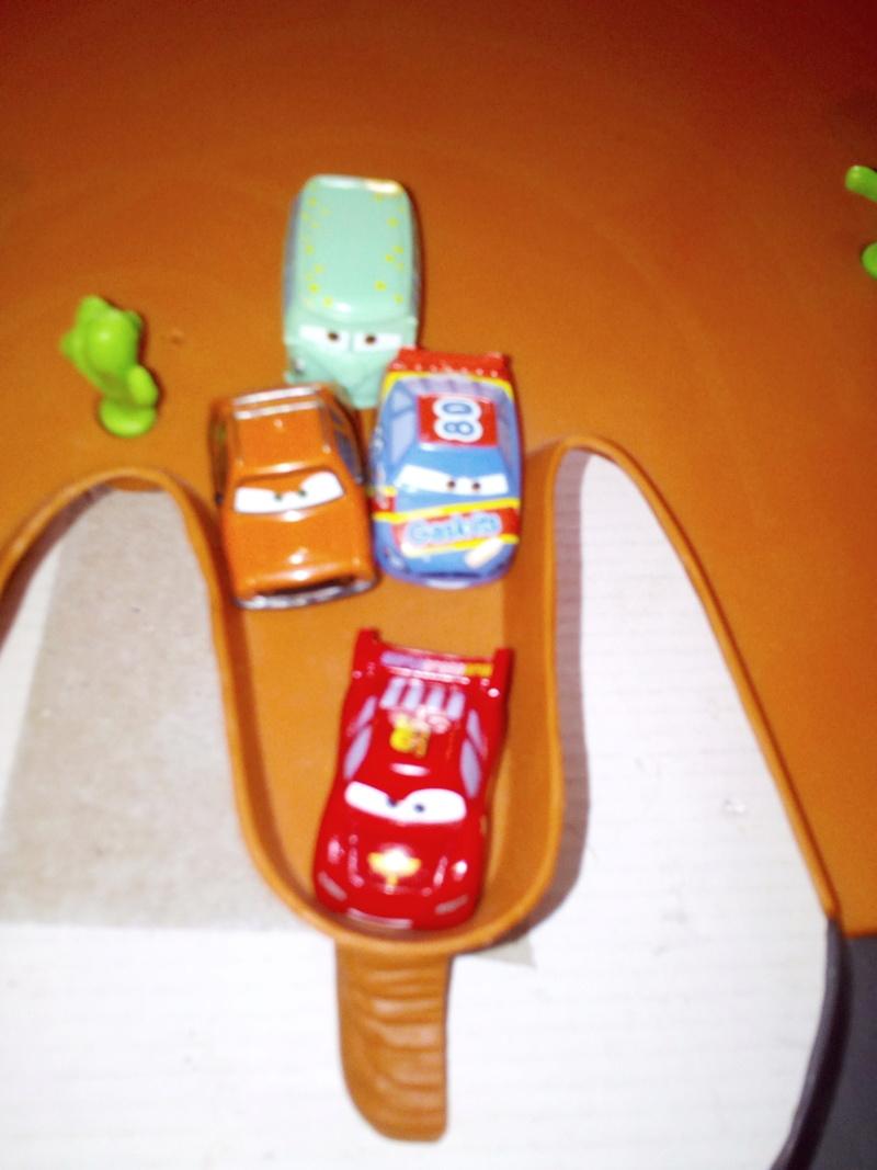 mes autres Cars 1 , 2 , 3 et Planes !!! toutes marques et matieres - Page 19 Img_2128