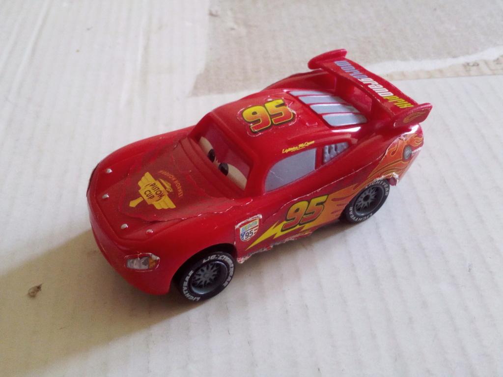 mes autres Cars 1 , 2 , 3 et Planes !!! toutes marques et matieres - Page 19 Img_2156