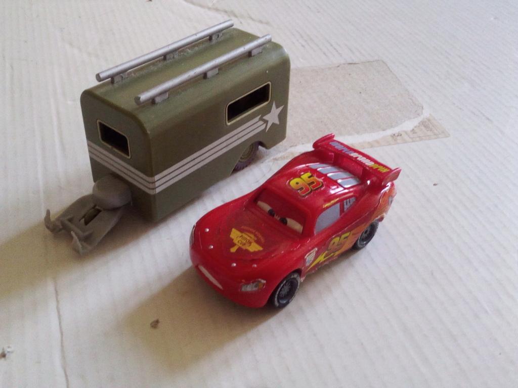 mes autres Cars 1 , 2 , 3 et Planes !!! toutes marques et matieres - Page 19 Img_2157