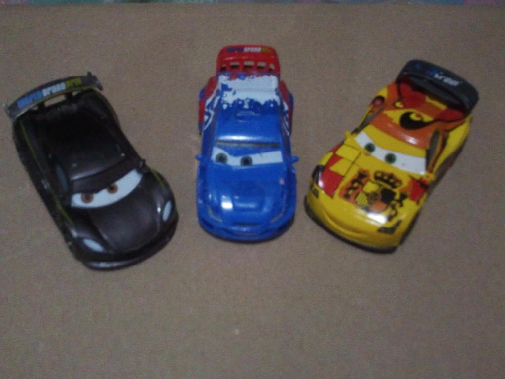mes autres Cars 1 , 2 , 3 et Planes !!! toutes marques et matieres - Page 21 Img_2359