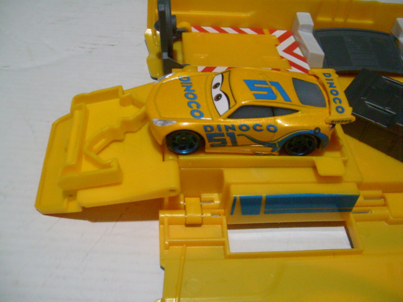 mes autres Cars 1 , 2 , 3 et Planes !!! toutes marques et matieres - Page 18 S7300324