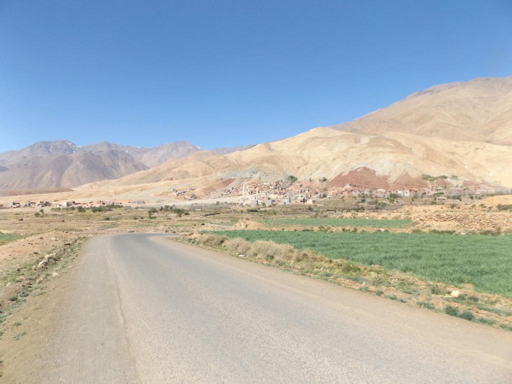 [Carburant, Routes, Police] Agouim/Aoulouz Dscf0714