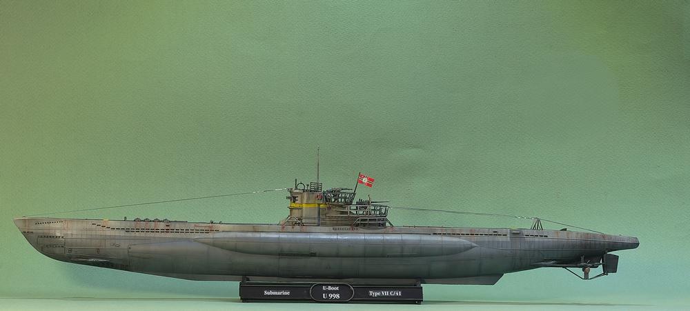 [ Revell ] U-Boot Kiel 1943 1/144 Imgp1110
