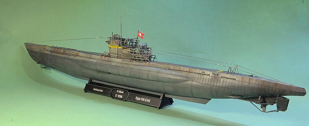 [ Revell ] U-Boot Kiel 1943 1/144 Imgp1113