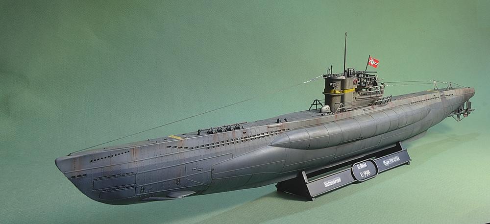[ Revell ] U-Boot Kiel 1943 1/144 Imgp1114