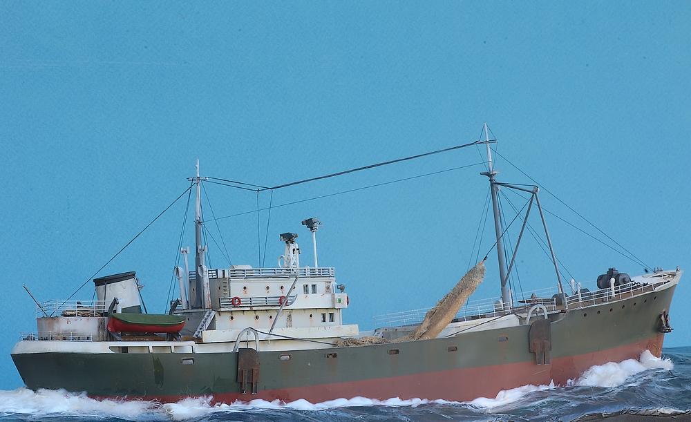 Dio : Chalutier morutier 1950 en mer [Heller 1/200°] de G Chapuis Imgp1314