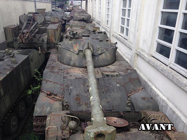 Les tanks dans les jeux vidéos Bat110