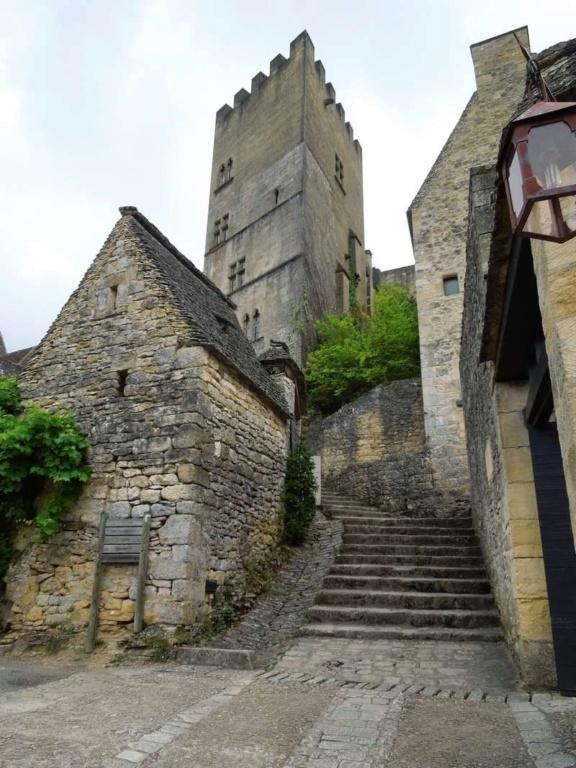Les Plus Beaux Villages de France - Page 2 1_dscn10