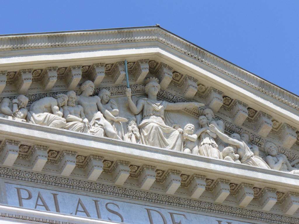 ARCHITECTURE : les frontons racontent l'Histoire - Page 2 2194_n10