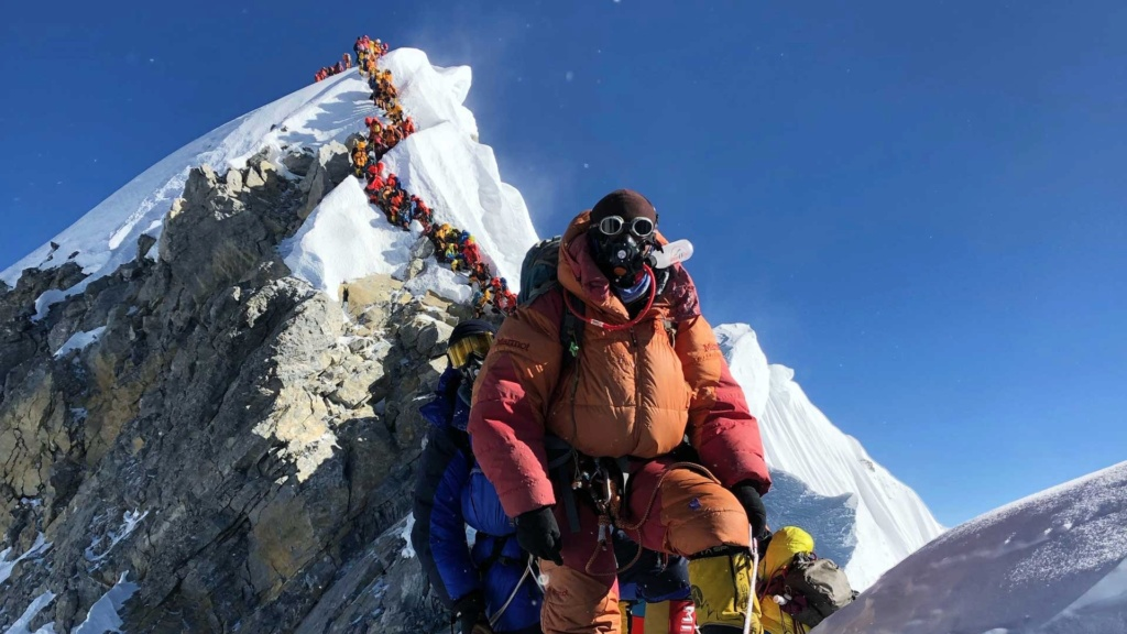 L'ascension de l'Everest 2200-e10