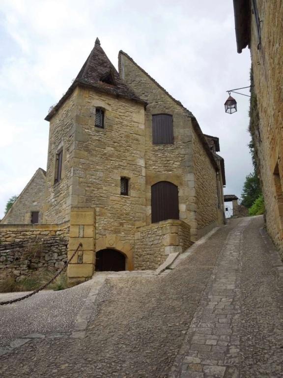 Les Plus Beaux Villages de France - Page 2 2_dscn10