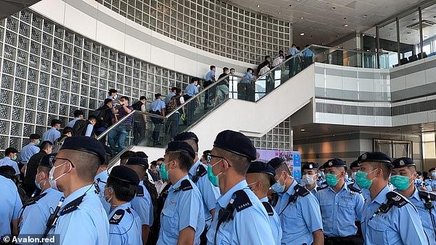 """Hong Kong à l'heure de la """"normalisation"""" : un voyage en images 31793810"""