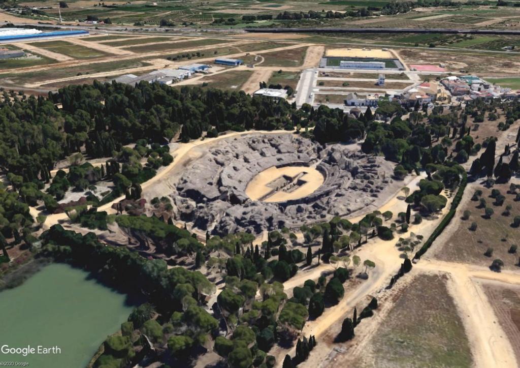 """Amphithéâtres romains : """"du pain et des jeux"""" - Page 2 Arzone10"""