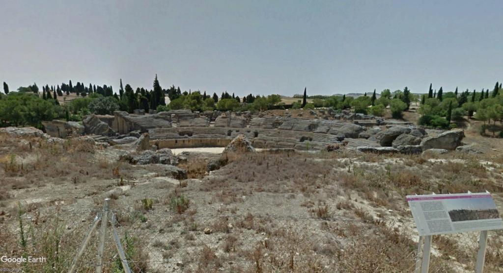 """Amphithéâtres romains : """"du pain et des jeux"""" - Page 2 Arzone12"""