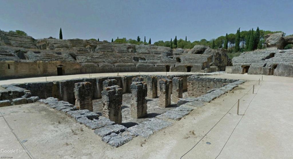 """Amphithéâtres romains : """"du pain et des jeux"""" - Page 2 Arzone14"""