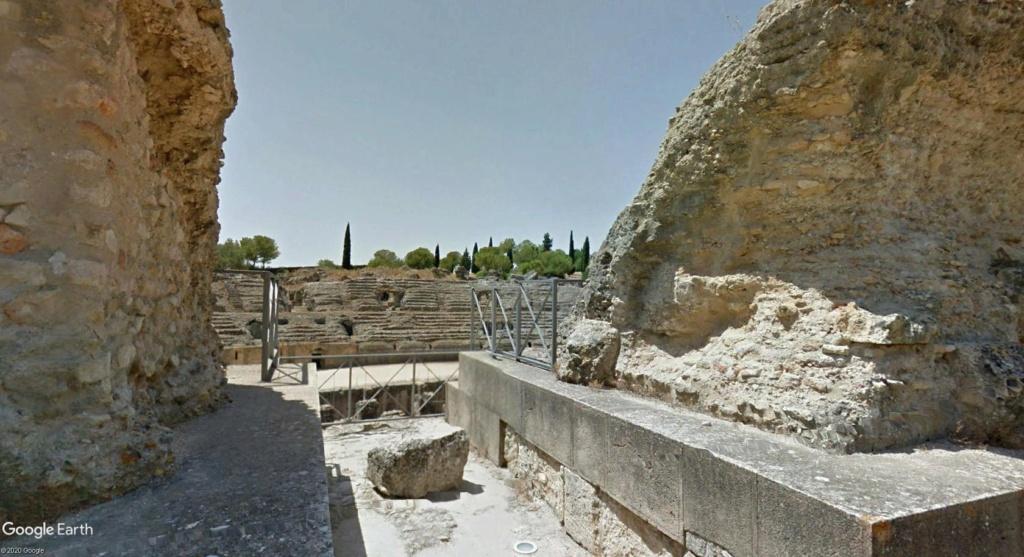 """Amphithéâtres romains : """"du pain et des jeux"""" - Page 2 Arzone15"""