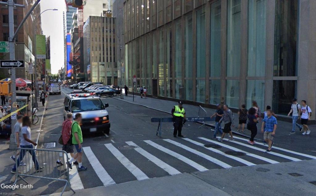 New York : il se passe quelque chose sur la sixième avenue Barr110