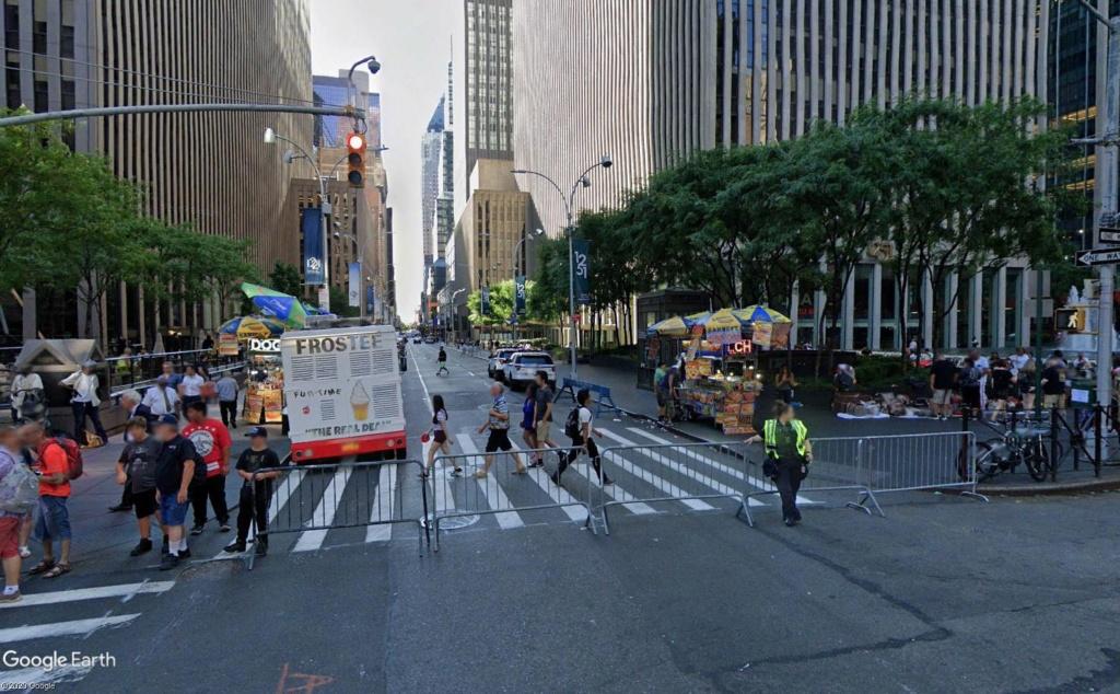 New York : il se passe quelque chose sur la sixième avenue Barr310