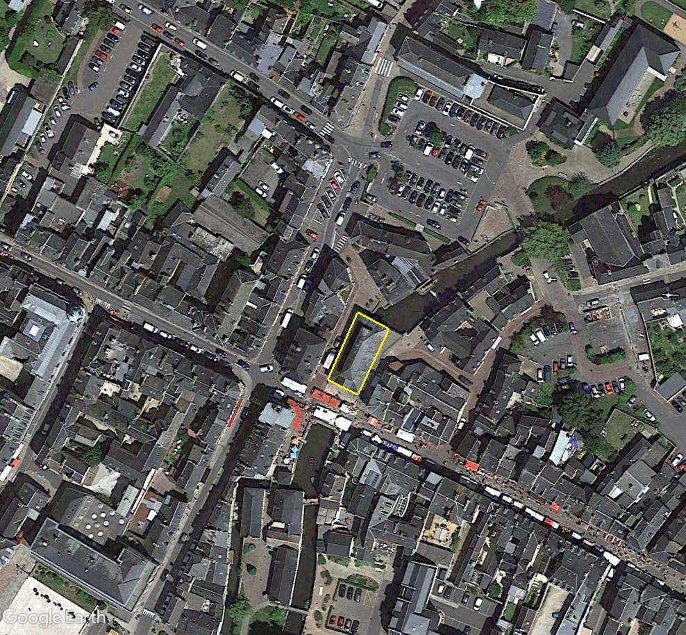 STREET VIEW : halles et marchés couverts - Page 5 Bay00011